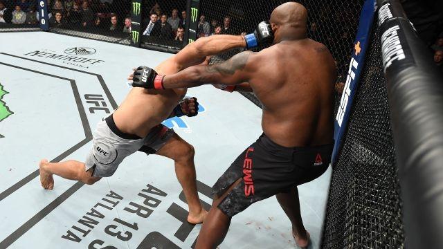 In Spanish-UFC Fight Night: Lewis vs. Dos Santos (Main Event)