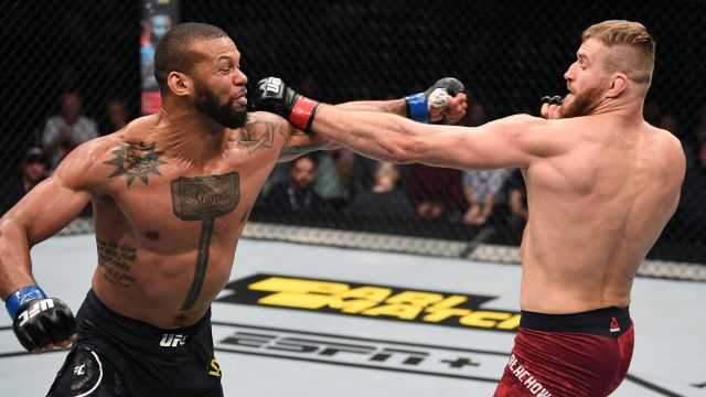 In Spanish - UFC Fight Night: Blachowicz vs. Santos (Main Event)
