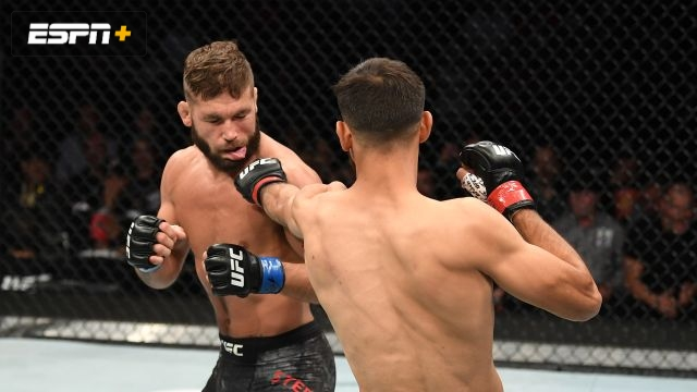 In Spanish - Yair Rodriguez vs. Jeremy Stephens (UFC Fight Night)