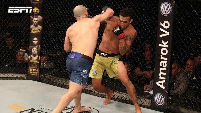 Charles Oliveira vs. Jared Gordon (UFC Fight Night: Blachowicz vs. Jacare)