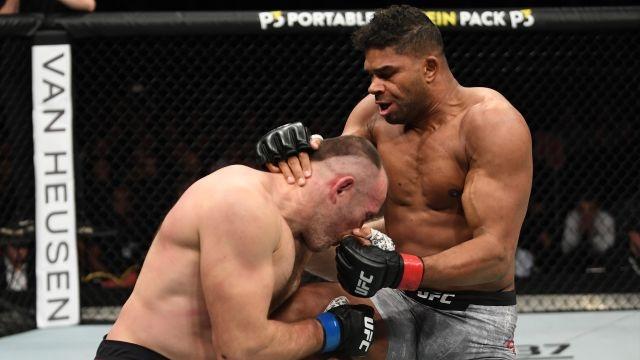 In Spanish - UFC Fight Night: Overeem vs Oleinik (Main Event)