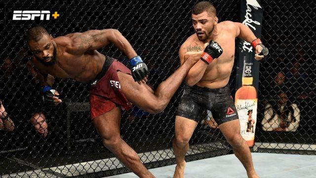 Deron Winn vs. Darren Stewart (UFC Fight Night: Reyes vs. Weidman)
